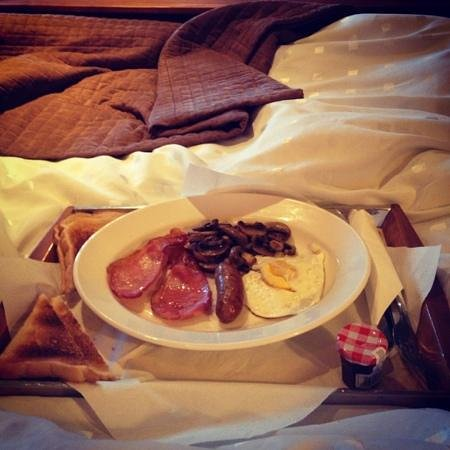 Lamesley, UK: Light breakfast option in bed