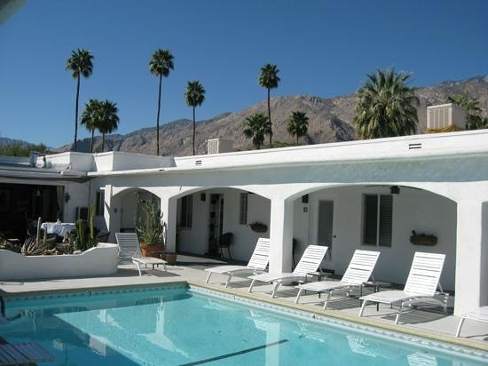 POSH Palm Springs Inn: Relax by the pool and enjoy the view...