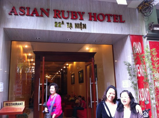 Asian Ruby Hotel Hanoi: Small hotel but have a big room