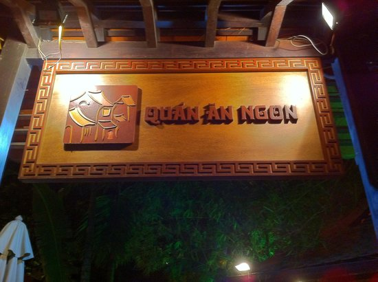 Asian Ruby Hotel Hanoi: Restaurant must go plenty of food to choose