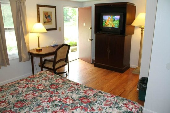 Lodge at Kennebunk Motor Inn: KING SUPERIOR