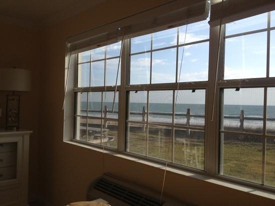 Coral Sands Inn & Seaside Cottages Ormond Beach: window view