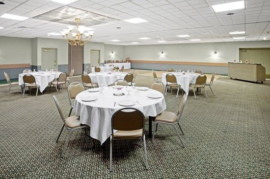 Americas Best Value Inn-Saginaw South: Banquet Room