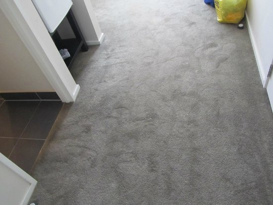 Mercure Picton Marlborough Sounds: Unacceptable stains