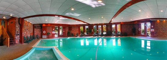 ‪‪Cortina Inn and Resort‬: Pool‬