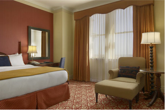 The Fairmont Hotel Macdonald: Signature Suite