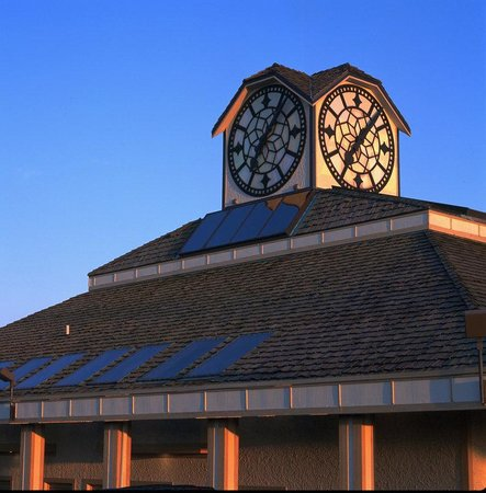 Best Western Lafayette Executive Plaza & Conference Center: Hour Time Restaurant Clock