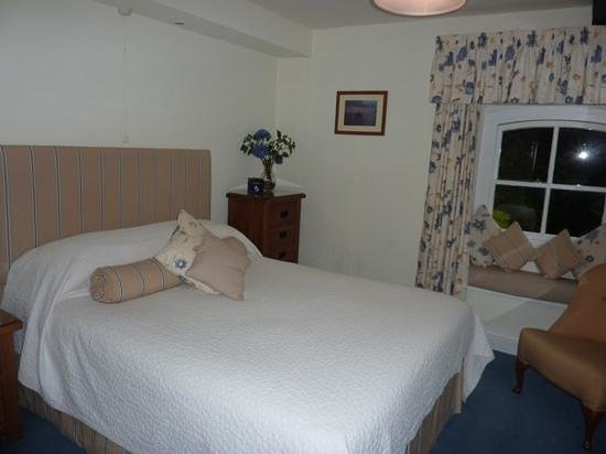 Kimmeridge farm bedroom
