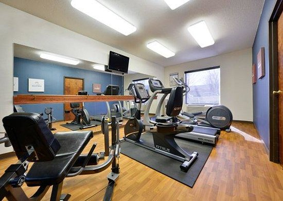 Comfort Suites Biltmore Square Mall : fitness center