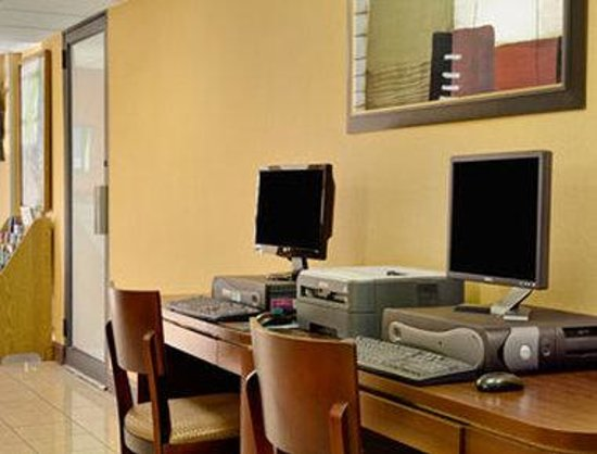 Howard Johnson Inn Suffern: Business Center