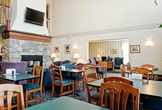 Smart Suites Burlington: Free Continental Breakfast