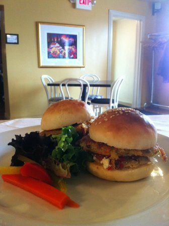 Beamsville, Canada: Veggie Burger for lunch
