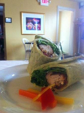 Beamsville, Canada: Blackened Chicken Wrap