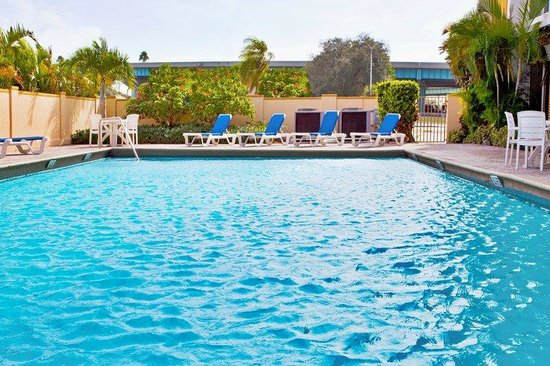 Miami Springs, FL: Swimming Pool