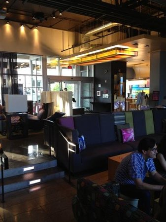 aloft Austin at the Domain: Lobby