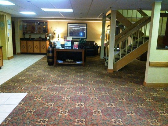 BEST WESTERN Rochester Marketplace Inn: Lobby area-1
