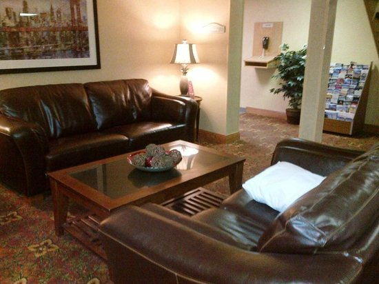 BEST WESTERN Rochester Marketplace Inn: Lobby area-2