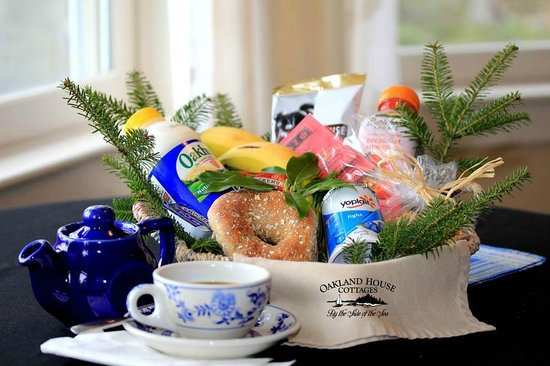 Brooksville, ME: A Welcome Breakfast Basket is available for a supplemental amount.