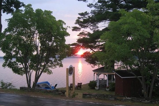 Sanbornton, NH: Dawn at the Lake House