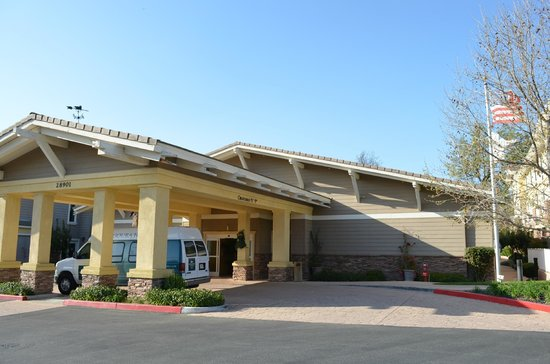 Homewood Suites Agoura Hills: Entrance