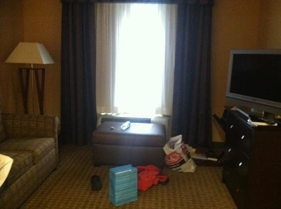 Homewood Suites Dover-Rockaway: living room with pull out couch..