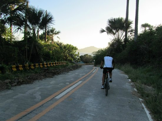 Anilao, Filipiny: Biking