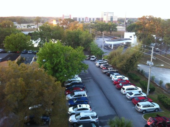 Radisson Resort Orlando-Celebration: Parking lot behind 6000 building