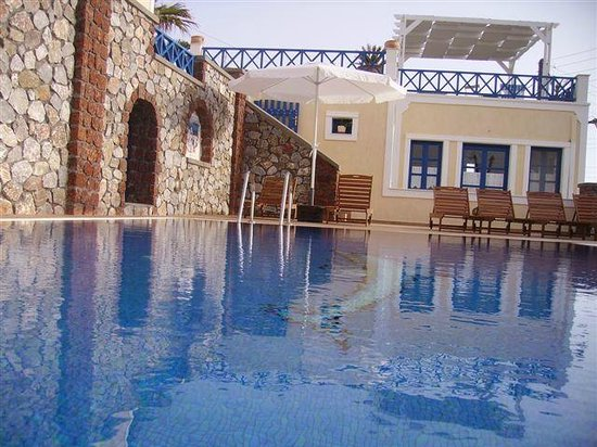 Hotel Thira And Apartments