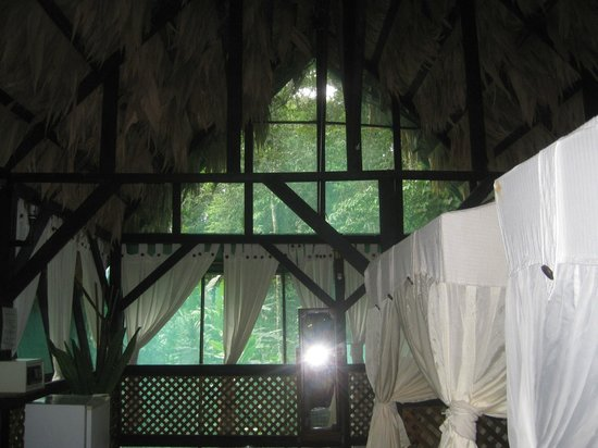 Almonds and Corals Lodge: inside of our cottage.