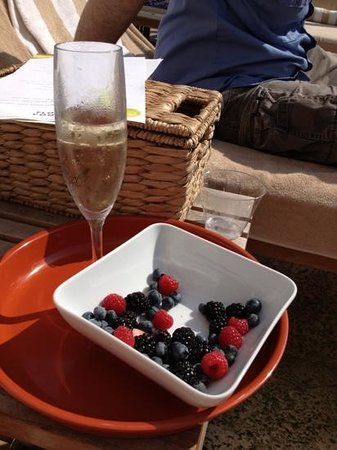 Royal Palm South Beach Miami, A Tribute Portfolio Resort: champagne and berries