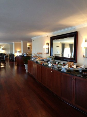 The Ritz-Carlton, Buckhead: Club Lounge