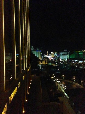 Mandalay Bay Resort &amp; Casino: View from 10th floor room 201