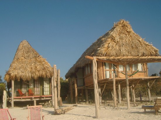 Cabanas Tulum: Vue des cabanas voisins