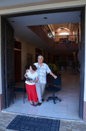Hotel Internacional Managua: Gladys und Roberto