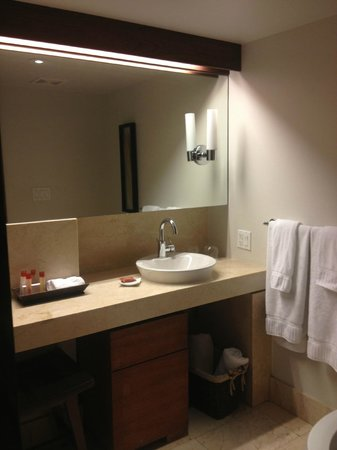 Costa d'Este Beach Resort: Bathroom