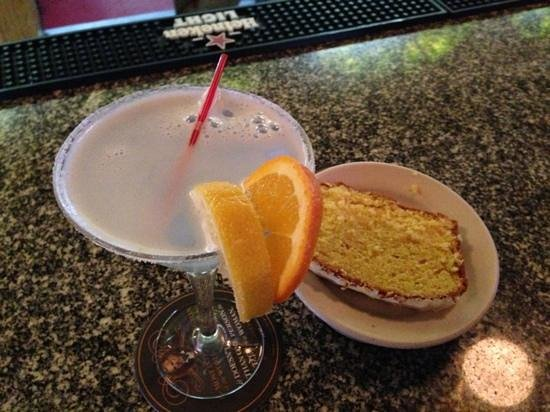 Colebrook, NH: lemon martini with lemon pound cake