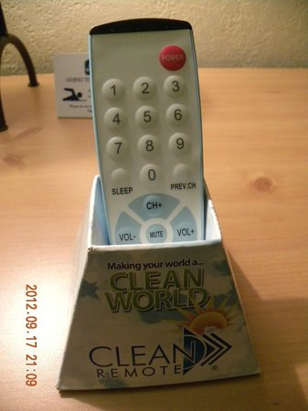 BEST WESTERN Turquoise Inn & Suites: CLEAN remote!