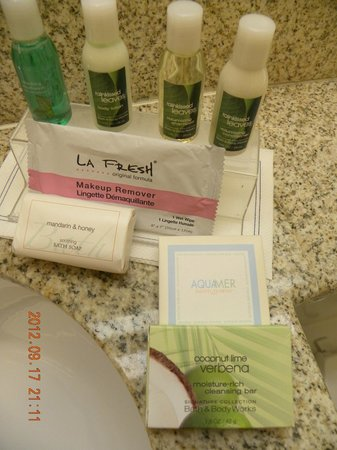 BEST WESTERN Turquoise Inn & Suites: Toiletries