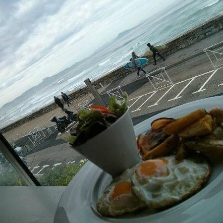 eggs and bacon and view picture of le surfing biarritz. Black Bedroom Furniture Sets. Home Design Ideas