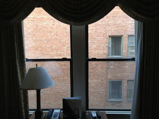 Hotel Cartwright Union Square: View dead straight out the window