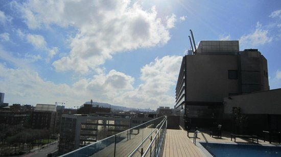 H10 Marina Barcelona Hotel : view from roof top terrace 