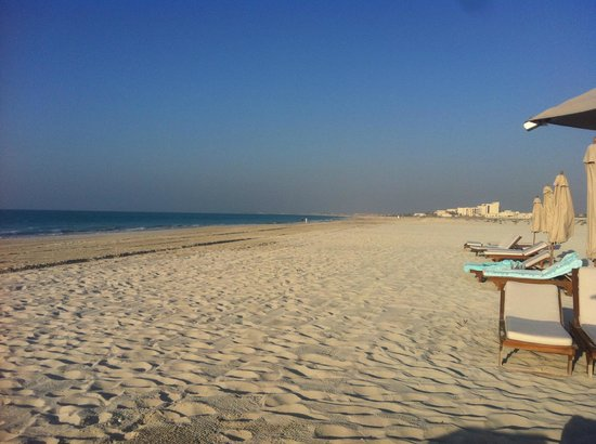 The St. Regis Saadiyat Island Resort: PLAGE