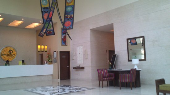 Lemon Tree Premier, Ulsoor Lake, Bengaluru : Lemon Tree Lobby