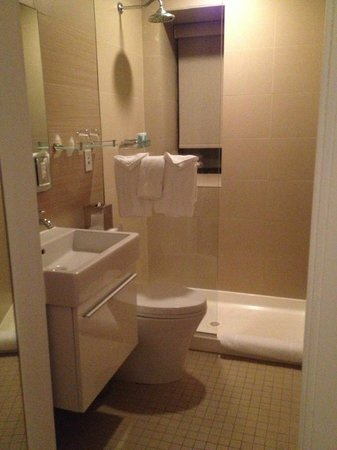 The MAve: Room 307 Bathroom