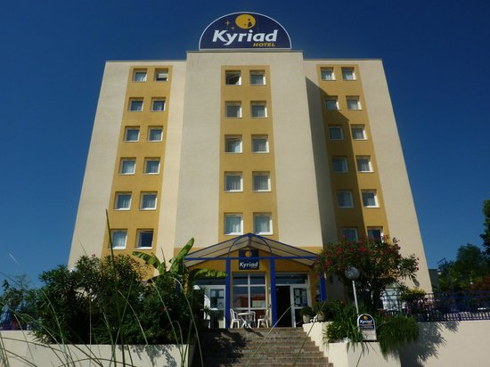 Photo of Hotel Kyriad Pau-Lons