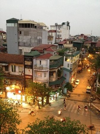 Hanoi Serenity Hotel: View from the 5th floor