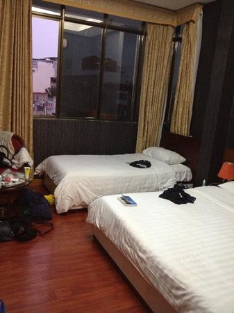 Hanoi Serenity Hotel: Twin bedroom