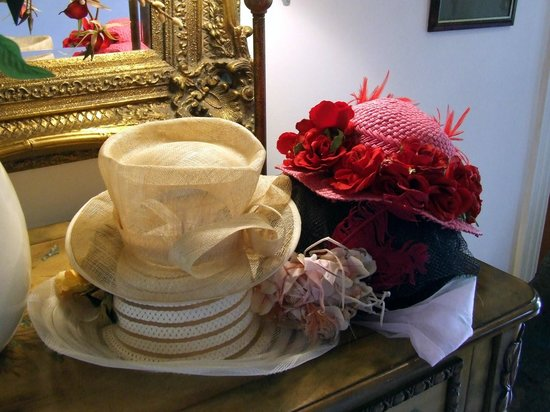 Peace and Plenty Inn: Some of the hats!