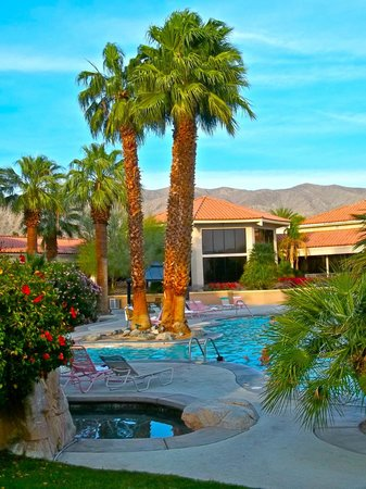 Miracle Springs Hotel and Spa: another shot of the pool which is the big attraction here