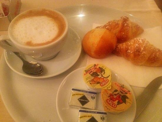 Piccolo Hotel Puccini: breakfast